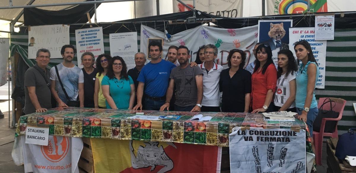 Agricoltura Vittoria, le dep. Lorefice e Ferreri con il M5S cittadino oggi alla Serra di piazzaGramsci