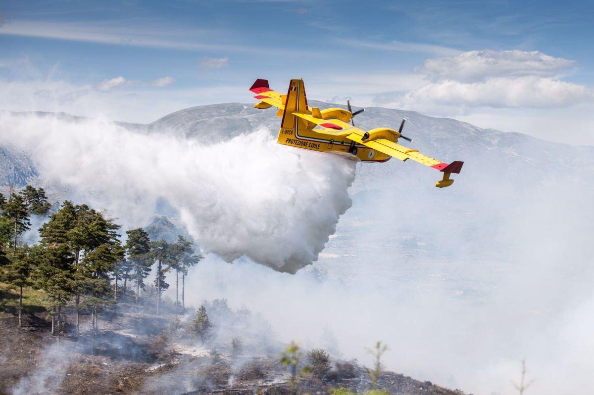 Incendi, Dep. Lorefice: «Si usino anche i droni per pattugliare.  Urgente un piano di prevenzione» Interpellanza urgente delM5S