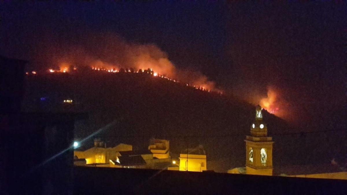 Inferno di fuoco in Sicilia. Il M5S chiede misure preventive