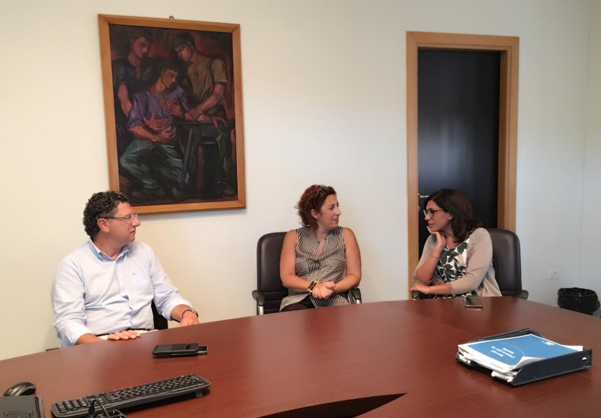 Le parlamentari iblee del M5S incontrano il Commissario dell'Asp 7 Ficarra. Lorefice e Ferreri: «Necessario il massimo impegno per garantire i servizi sanitari aicittadini»
